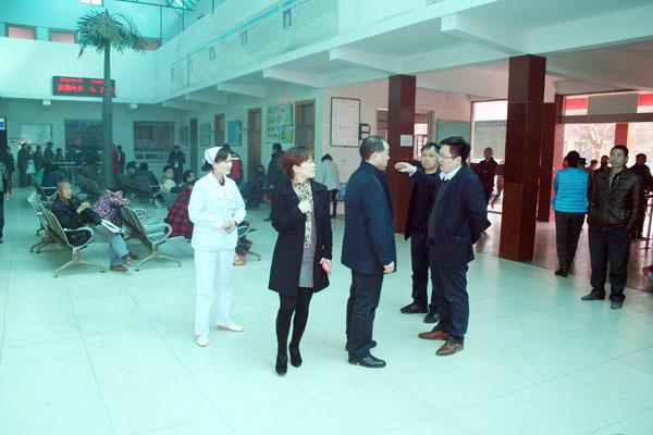 热烈欢迎重庆开县光明威廉希尔手机版医院来我院参观交流